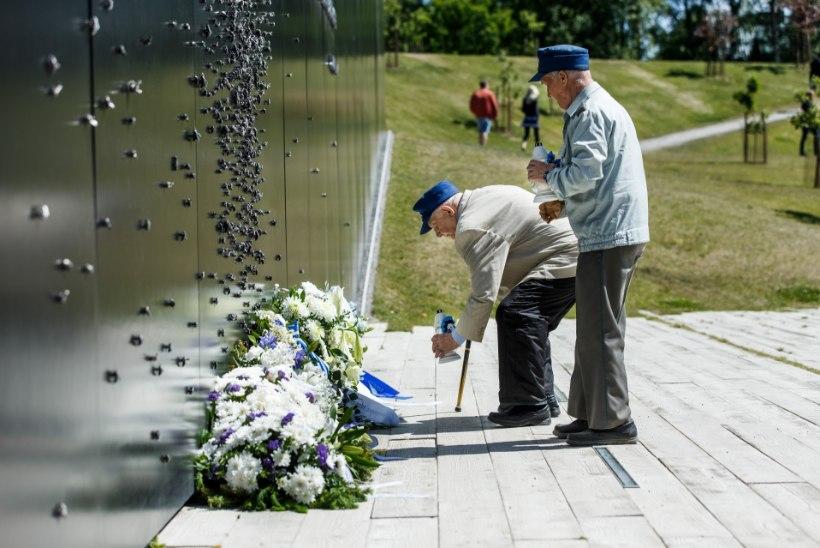 GALERII   Mälestuspärjad Maarjamäel: 79 aastat juuniküüditamisest