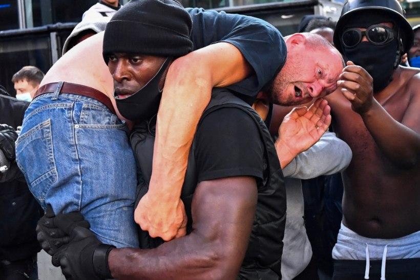 """PINGEHETK LONDONI MEELEAVALDUSEL: """"Me hoidsime inimese tapmise ära!"""""""