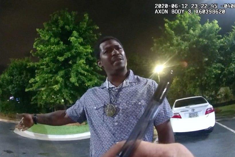 PROTESTILE ÕLI TULLE: Ameerikas tappis veel üks politseinik mustanahalise mehe