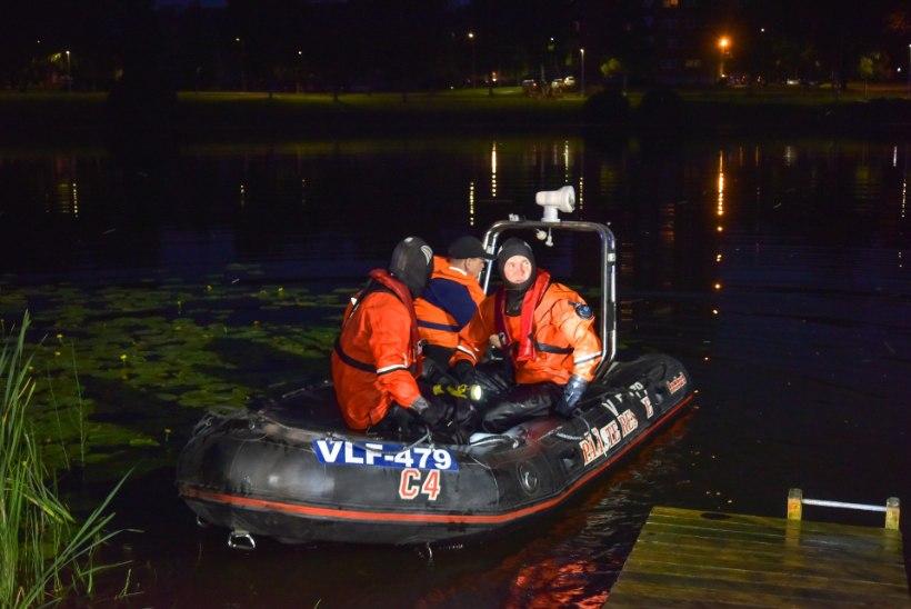 FOTOD | ÖISED OTSINGUD: Paala järve uppus inimene