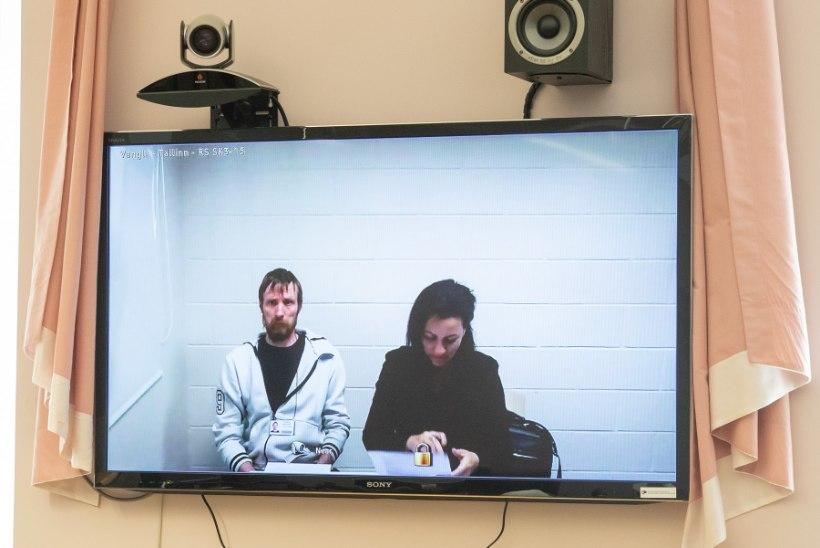 FOTOD KOHTUST | Saaremaal kolm inimest surnuks sõitnud roolijoodiku kohtuasjas peeti eelistung