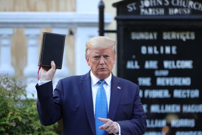 KARMID MEETMED: Trumpi teekond fotosessioonile vabastati pisargaasi ja šokigranaatidega. Pentagonis muretsetakse presidendi plaanide üle