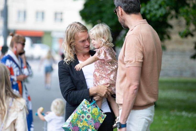 FOTOD | Tuntud ettevõtja Mart Haber tähistas sünnipäeva kioskis