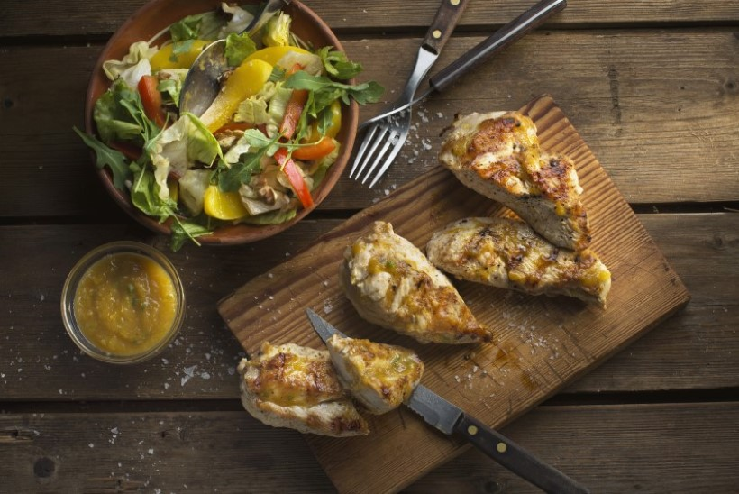 KIIRELT SÜTELE| Grillitud kanafileed virsikukastmega