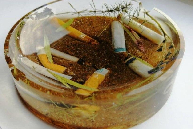 """Kristallvaigust ehteid valmistav Tatjana: """"Surnud ogalikud ja putukad elavad mu ehetes edasi."""""""