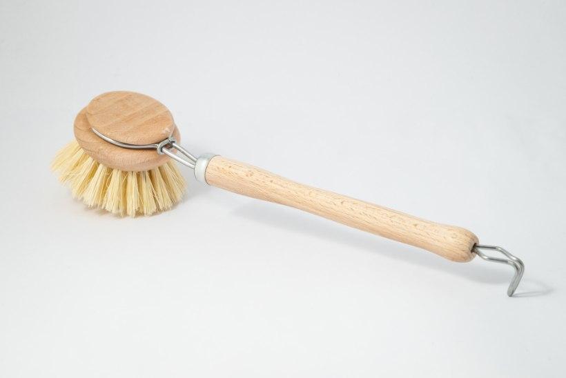 TIIU TESTIB | Mitmekülgne töörügaja – pika varrega nõudepesuhari