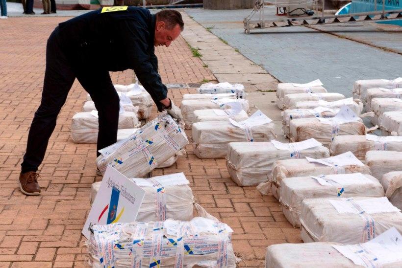 KOKAIINIPAKID MUNANDITEL: Hispaania narkokullerid kukkusid haledalt vahele