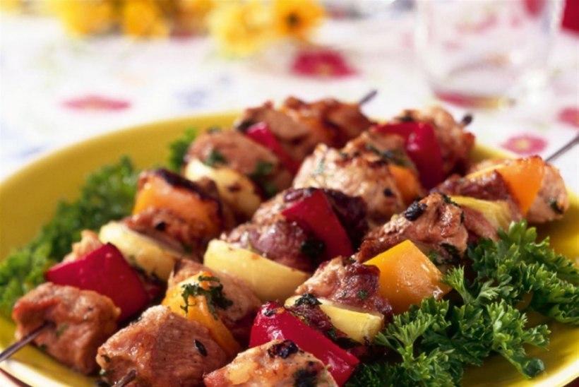 """KUIDAS TEHA ÕIGET ŠAŠLÕKKI: """"Kui liha peal ei ole rasva, siis ei ole tal ka maitset,"""" ütleb grusiinist kokk"""