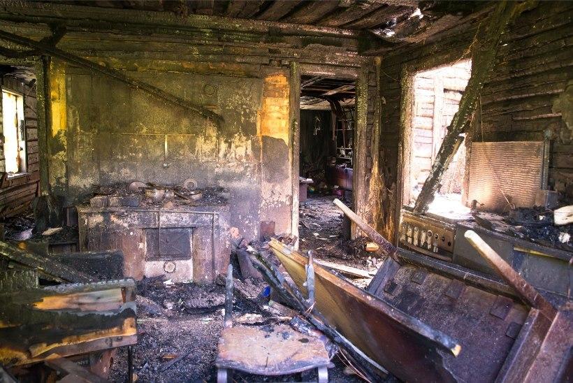 17 AASTAKS VANGI: Kükitaja külas sõbra surnuks põletanud noormees läheb trellide taha