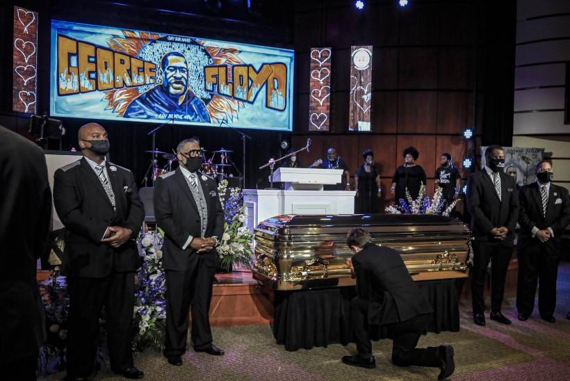 OTSEBLOGI | MÄSSUD AMEERIKAS: toimus George Floydi mälestusteenistus, Trumpi tahetakse kohtusse kaevata