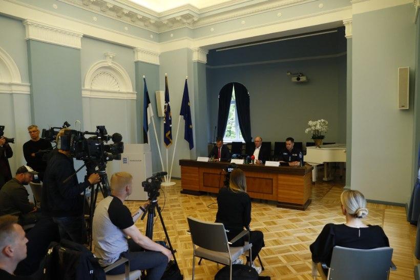 VIDEO JA FOTOD | Siseminister Mart Helme: tuleb vaadata üle regulatsioonid, mille alusel saab relvaloa andmisest keelduda