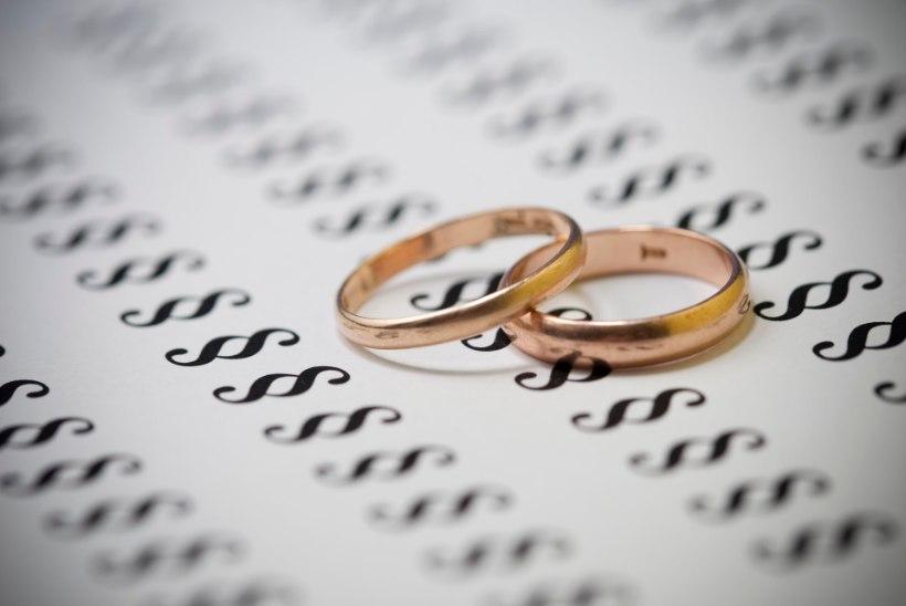 AEG OTSUSTADA! Riigikogu pole siiani andnud jah-sõna kõmulisele rahvahääletusele, kas abielluda saavad vaid mees ja naine