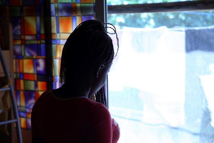 Inimkaubitsejad jätsid Itaalia karantiini ajal tuhanded naised nälgima