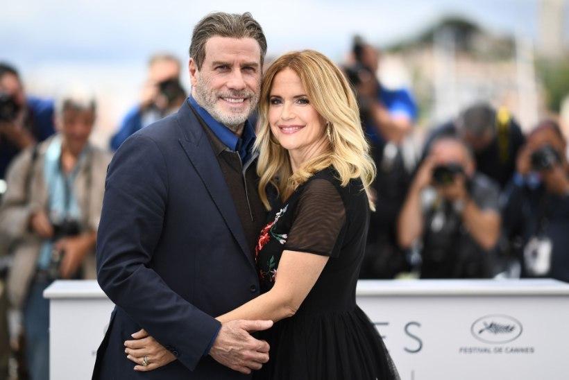 John Travolta abikaasa Kelly Preston kaotas võitluse rinnavähiga