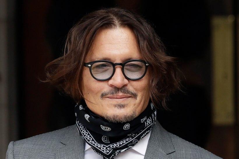 """Johnny Depp kaotas """"Kariibi mere piraatide"""" filmidest saadud varanduse ja jäi maksuvõlglaseks"""