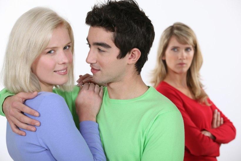 VÕIDELDA VÕI LEPPIDA? Kui mees armub teise naisesse...