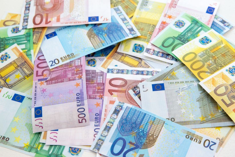 Juhtkiri | Laenumiljardid pudenevad näppude vahelt