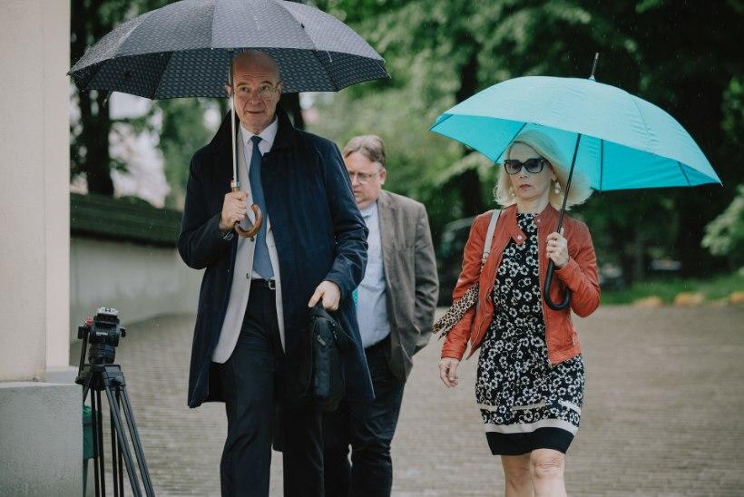 Estonia skandaal: Aivar Mäe eemaldati ametist, Arne Mikk lahkus ise