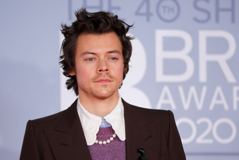 FOTO |Sobib või mitte? Harry Styles üllatab uue välimusega
