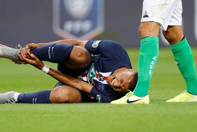Kylian Mbappe sai vigastada, PSG kardab, et staari hooaeg võib läbi olla