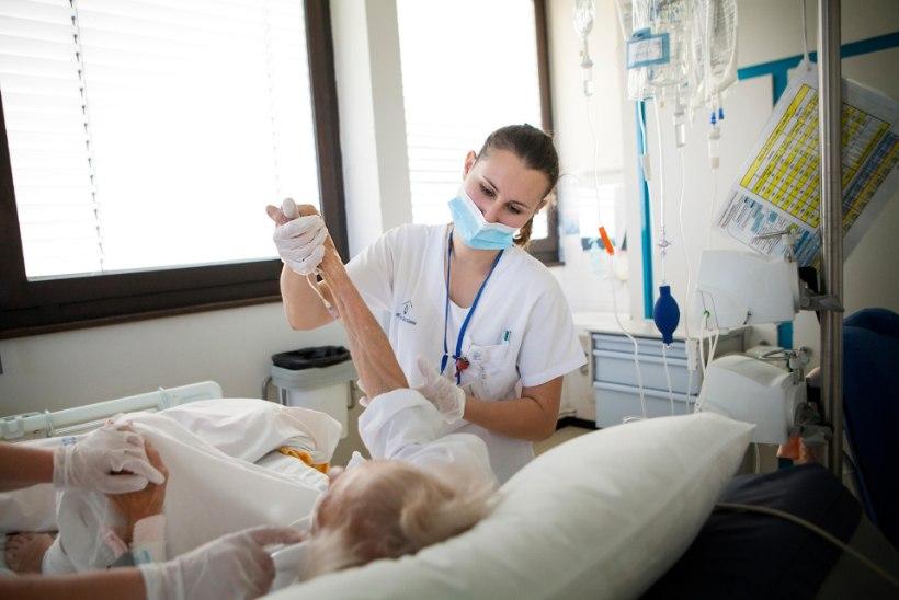74aastane pensionär ei soovi terviserikke korral enda elustamist: kardan jääda voodihaigeks, voolikud küljes ja mähkmed jalas