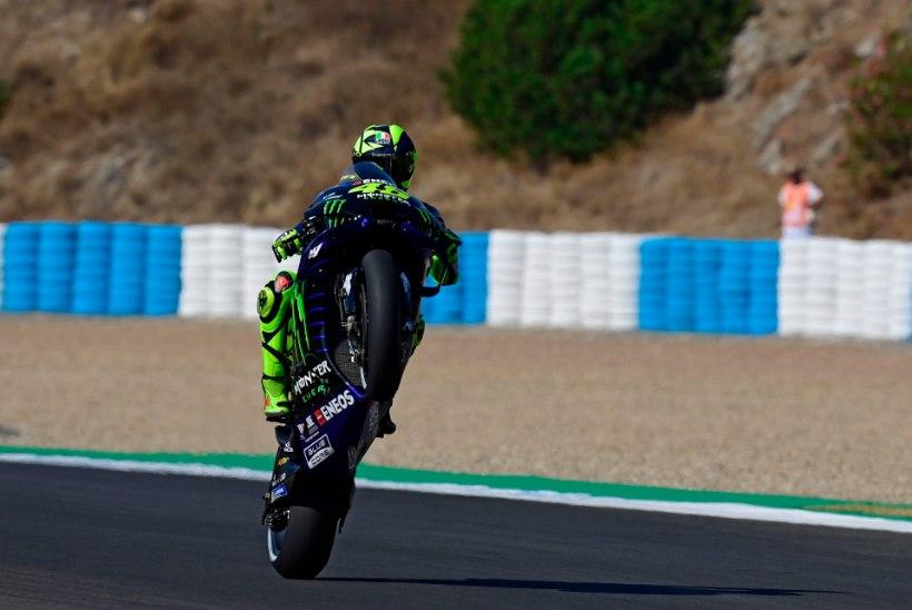 Motolegend Valentino Rossi lõpetas poodiumipõua ja nihutas rekordit