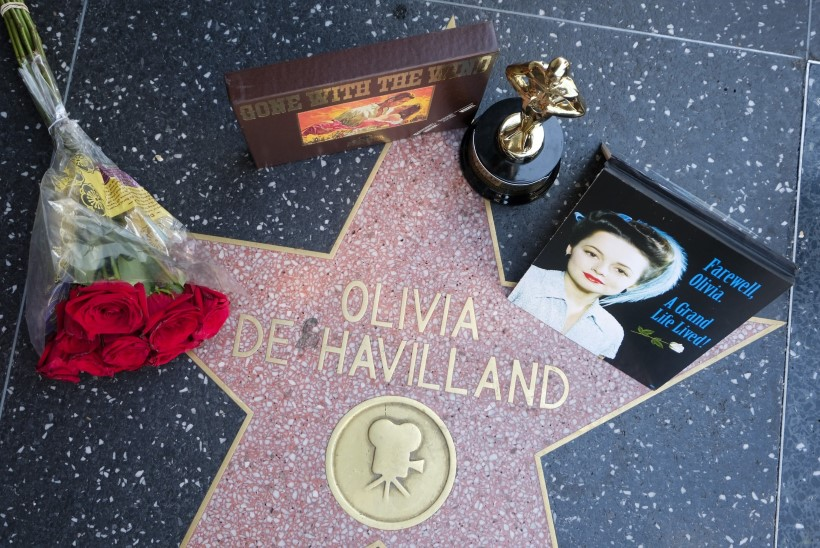 104 aasta vanuses suri Hollywoodi kuldajastu staar Olivia de Havilland