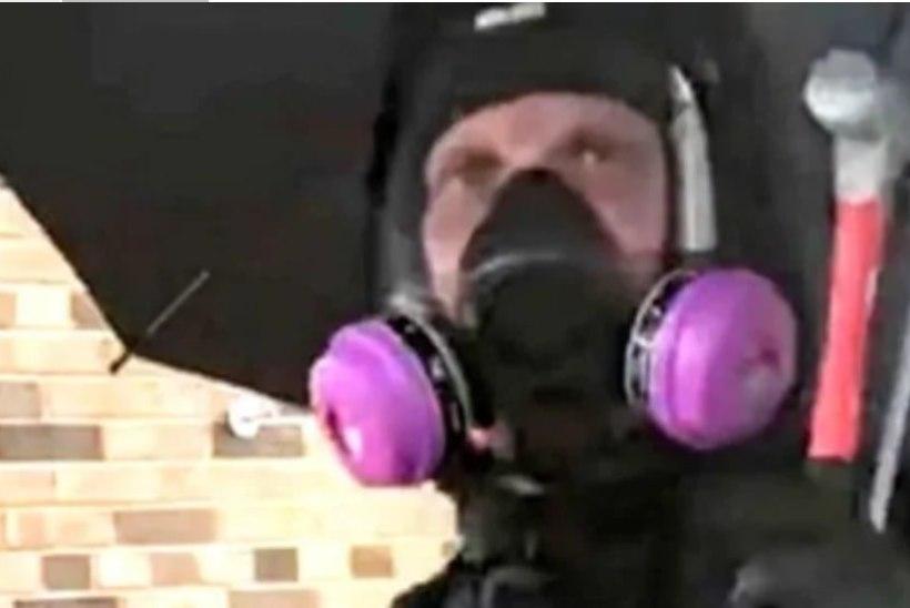 VANDENÕU VASTAS TÕELE? Minneapolise politsei: salapärane Vihmavarjumees on rassistliku jõugu liige