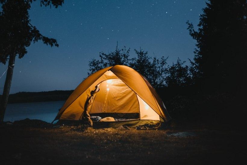 5 lihtsat soovitust, mis toovad telgis magades hea une