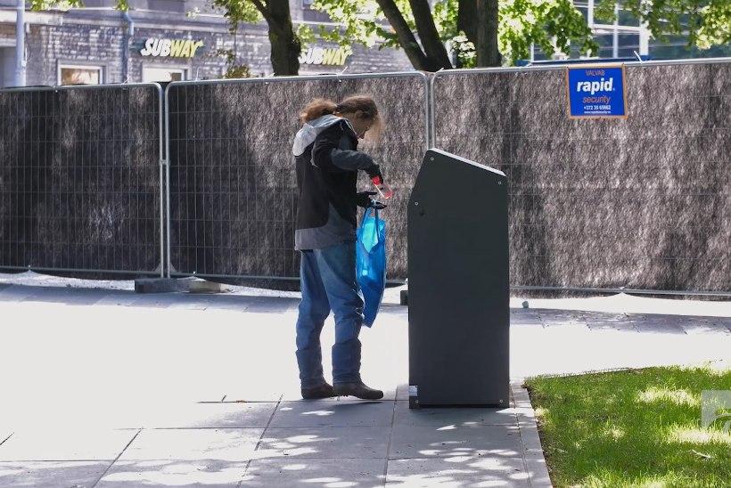 ÕL VIDEO | Kui palju teenib pudeleid korjates? Noormehel on pool majarahast juba koos!
