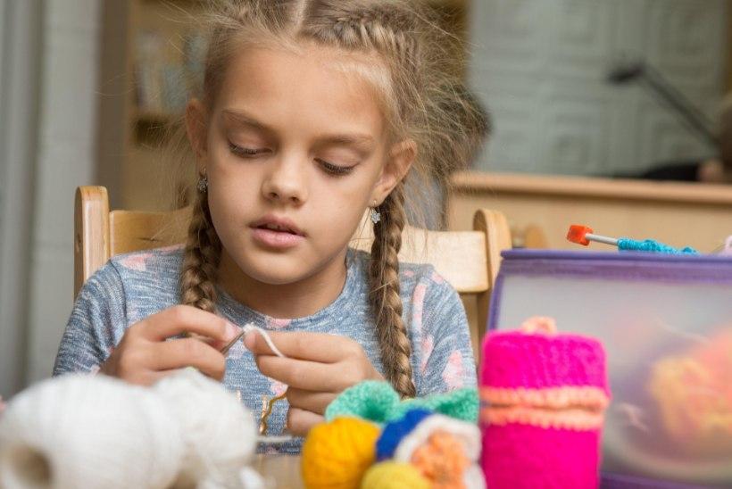 ILMNE EBAVÕRDSUS: miks tüdrukud peavad käsitöötundide jaoks raha kulutama, kui poistele on puutööõpetus tasuta?