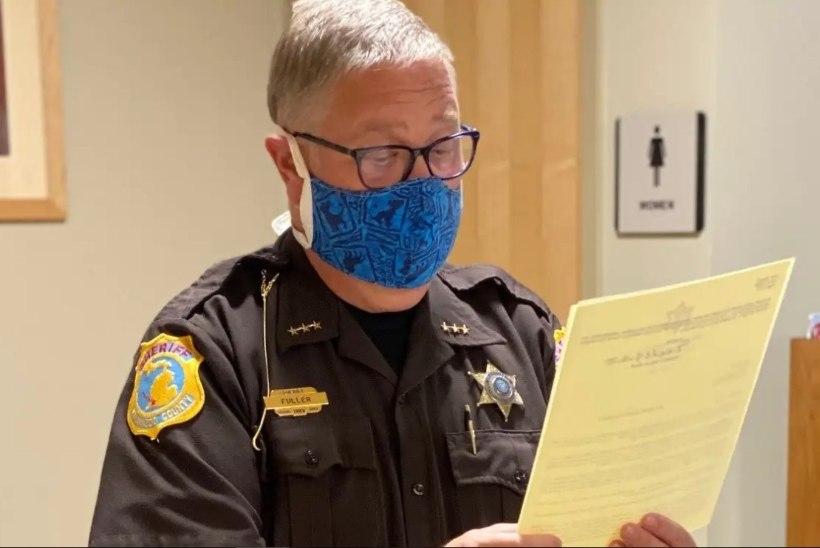 Paksuks l**siks sõimatud šerif pani alluvad asja uurima
