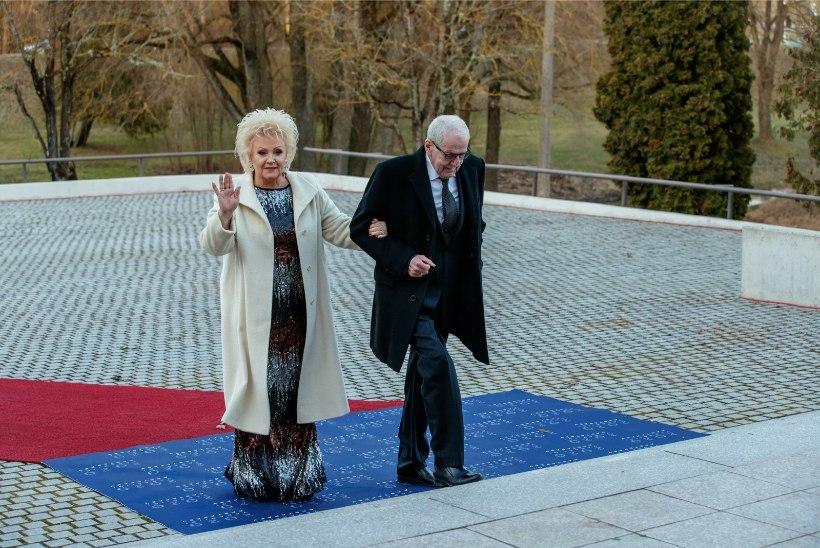 NOSTALGILINE FOTO | Anne Veski ja Benno Beltšikov tähistavad pulma-aastapäeva!