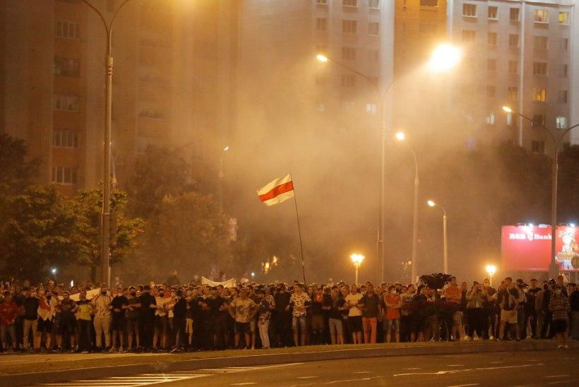 Valgevene valimised võitis batka Lukašenka? Protestijad tormasid tänavaile: 3000 vahistatut