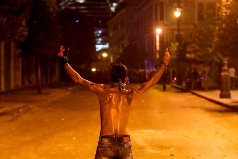 Liibanoni kannatuste rada: rahvas sööb leivapuru, sadamas plahvatab väetis...