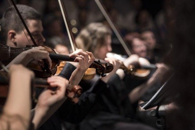 Euroopas naasevad orkestrid lavale distantseerimismeetmeid järgides