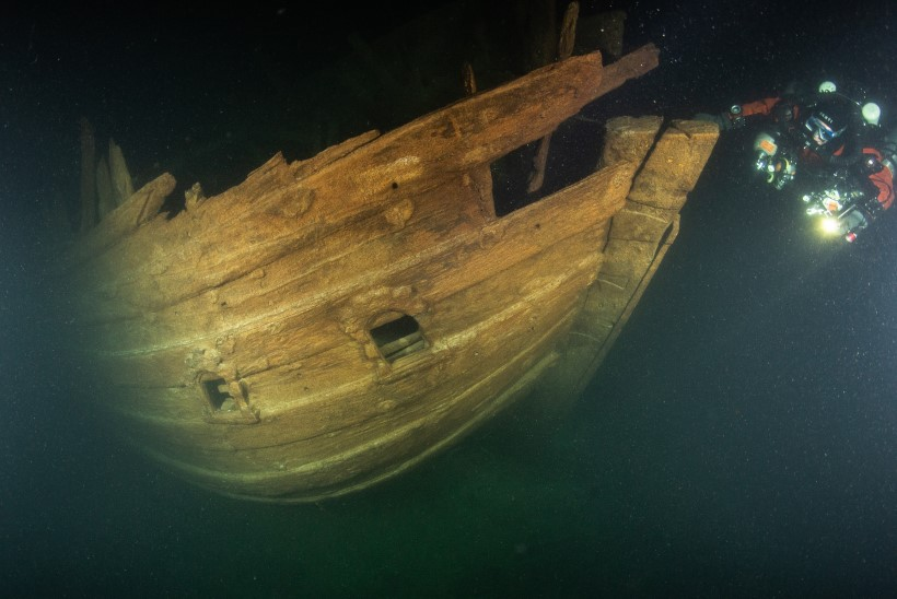 FOTOD JA VIDEO   HARULDANE LEID: Hiiumaa lähistelt leiti 400 aastat vana laevavrakk