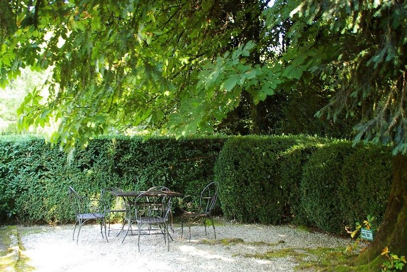 Naudi oma aeda! Head nõuanded, kuidas kujundada aias mõnusad puhkepaigad
