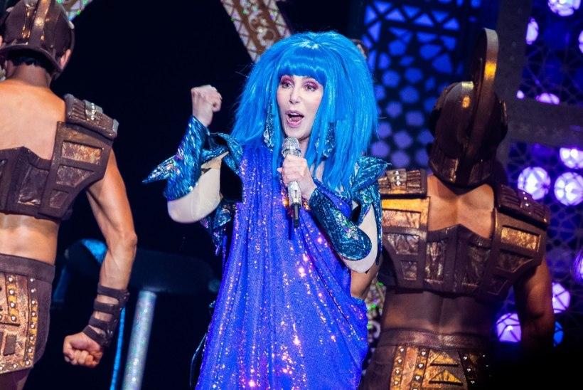 Cher pakkus end kahte postkontorisse vabatahtlikuks - ja sai korvi!