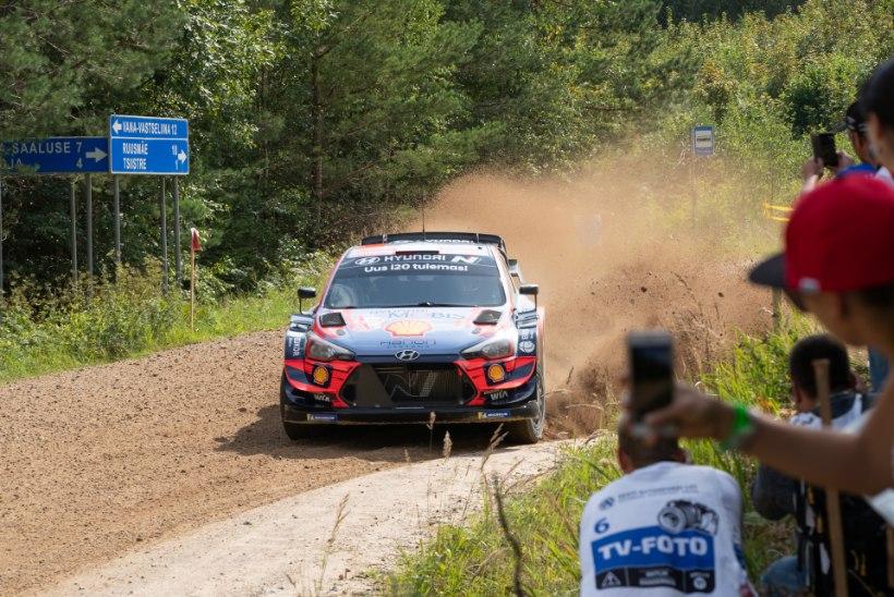 KUMMALINE VÕIDUKIHUTAMINE: maailma tipud valmistusid Rally Estoniaks harjumatutes oludes