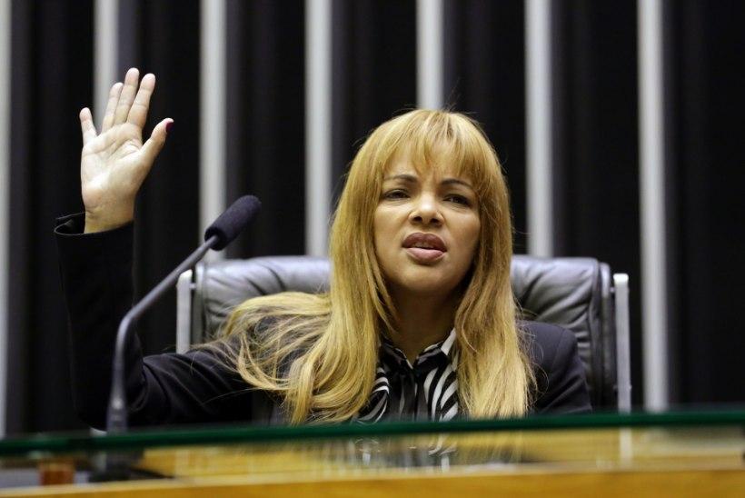 MUST LESK: Brasiilia poliitikut süüdistatakse oma mehe jõhkras tapmises