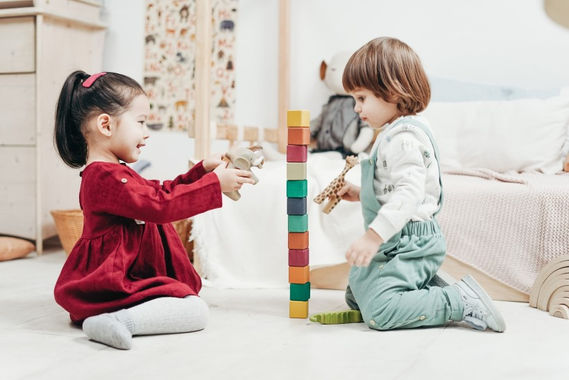 HOMMIKUSED LAHKUMISDRAAMAD: kuidas harjutada mudilast lasteaeda jääma?