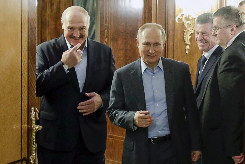 Putin lubas Lukašenkale väed appi saata, kui olukord täielikult kontrolli alt väljub