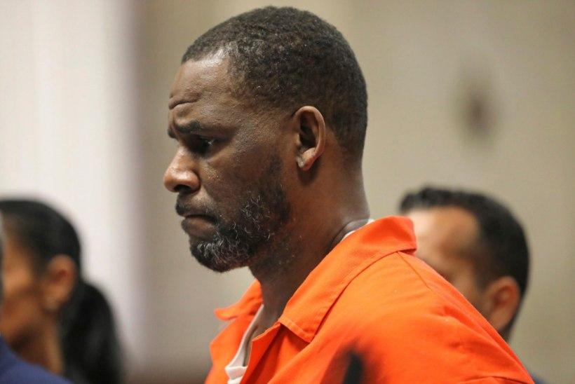 R. Kelly sai vanglas peksa ja viidi üksikkongi