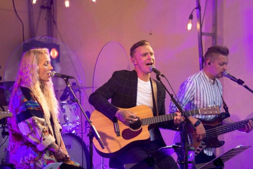 GALERII | Lenna Kuurmaa ja Tanel Padar alustasid Luke mõisas kontserttuuri