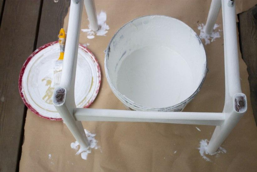 Vana tool saab värske välimuse: värvi üle ja vaheta poroloon!