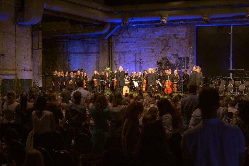GALERII   Noblessneri valukoda täitus Veljo Tormise sünniaastapäeval tema muusikaga