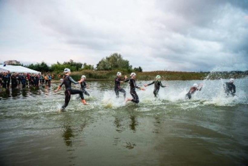 Tuntud ajakirjaniku reportaaž Tallinna Ironmanilt: koroonaajal on võistlusele jõudmine sama raske kui triatlon ise!