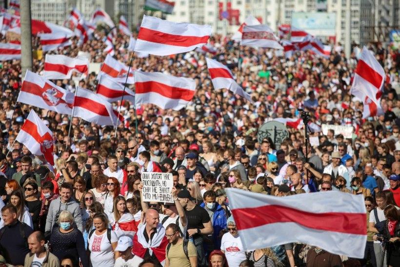 Minski meeleavaldusel peeti kinni 500 inimest