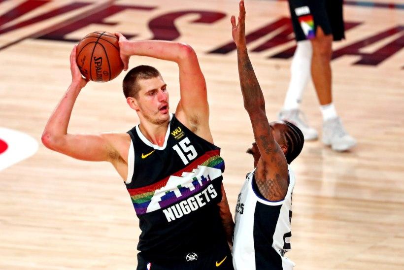 Denver tuli Clippersi vastu kaotusseisust välja ning pikendas seeria seitsmemänguliseks